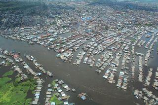 Wikipedia Iquitos_inundaciones_aereo